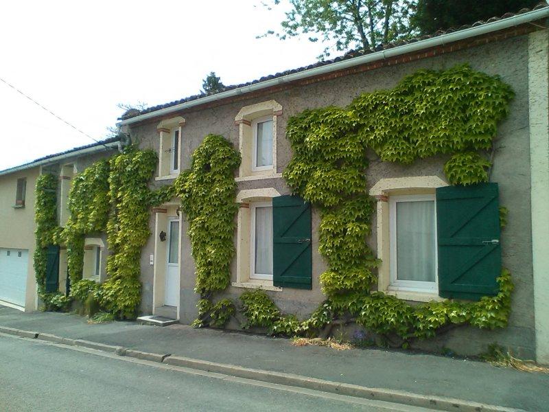 Vente maison de bourg atypique for Vente de bien atypique